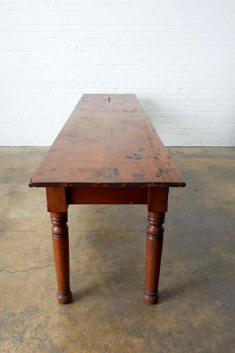 19th Century Pennsylvania Dutch Farmhouse Harvest Table For Sale 4