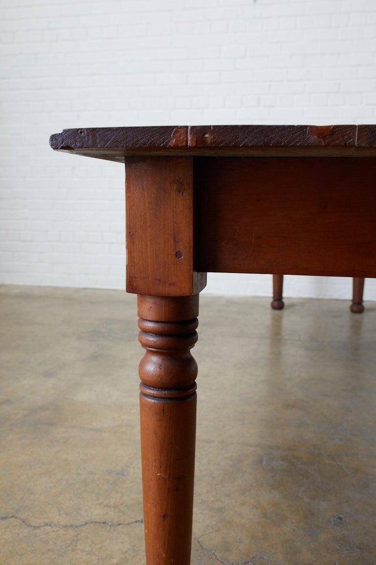 19th Century Pennsylvania Dutch Farmhouse Harvest Table For Sale 5