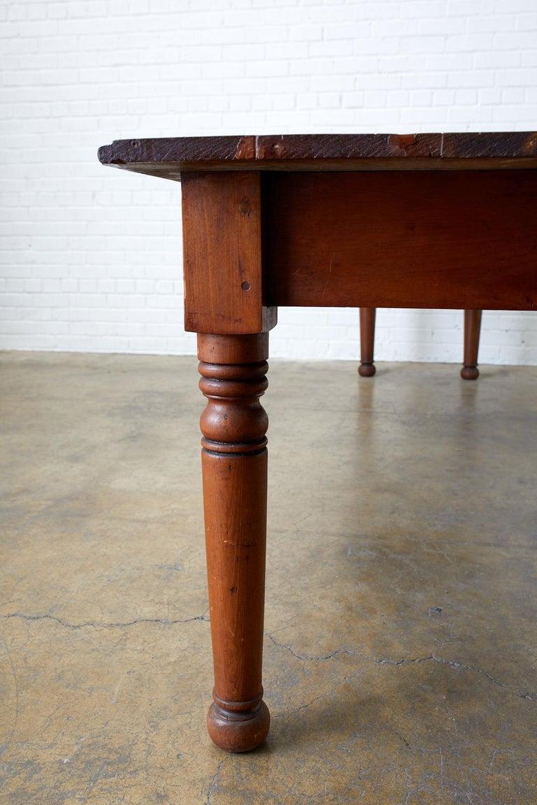 19th Century Pennsylvania Dutch Farmhouse Harvest Table For Sale 6