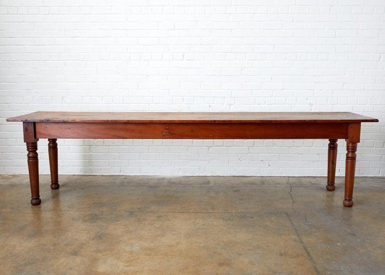19th Century Pennsylvania Dutch Farmhouse Harvest Table For Sale 7