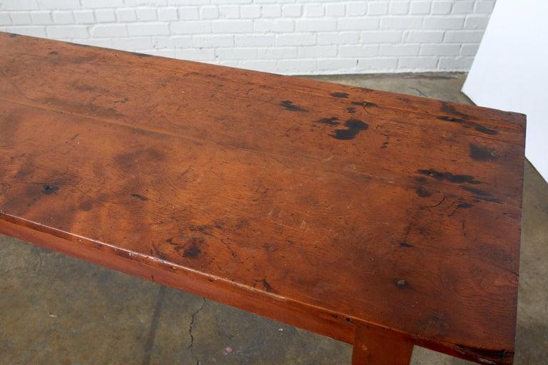 19th Century Pennsylvania Dutch Farmhouse Harvest Table For Sale 9