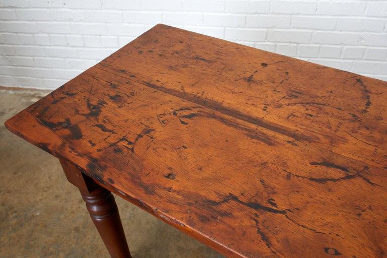 19th Century Pennsylvania Dutch Farmhouse Harvest Table For Sale 10