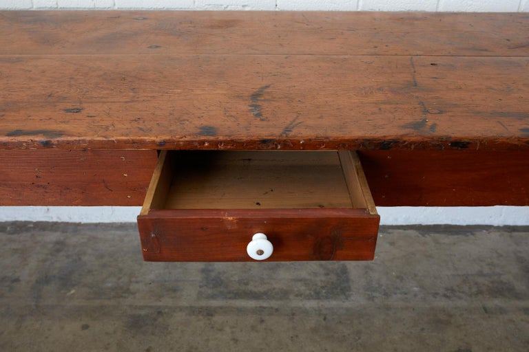 19th Century Pennsylvania Dutch Farmhouse Harvest Table In Good Condition For Sale In Oakland, CA