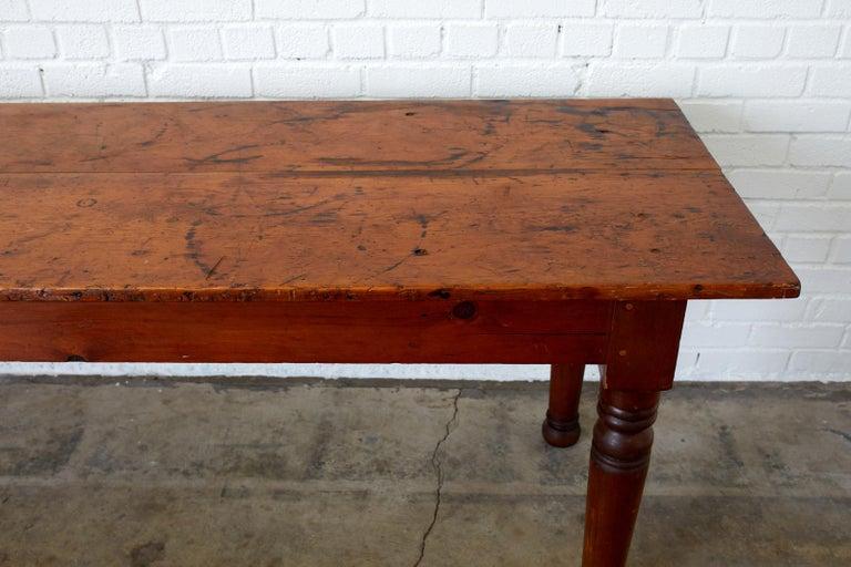 19th Century Pennsylvania Dutch Farmhouse Harvest Table For Sale 2