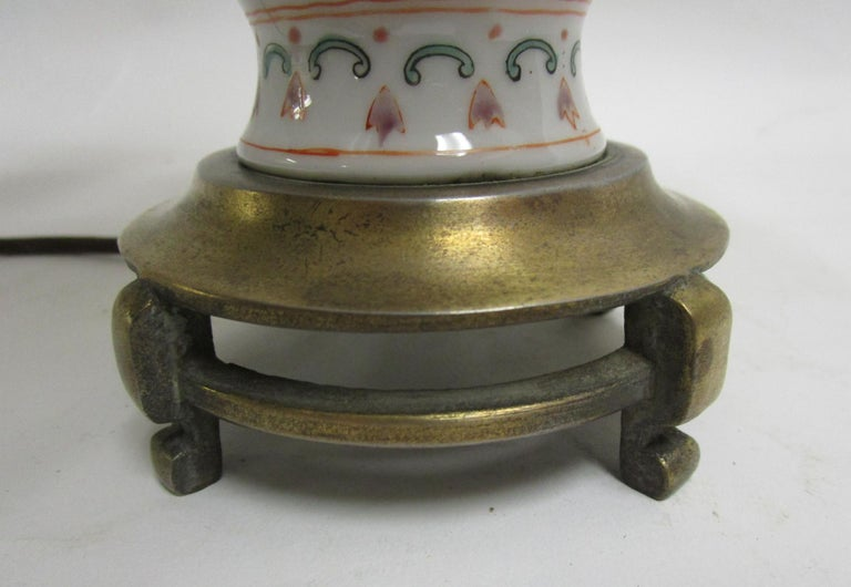 19th Century Petite Chinese Export Table Lamp In Good Condition For Sale In Savannah, GA
