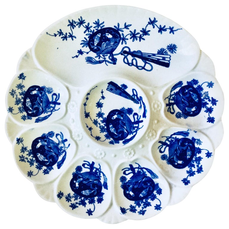 19th Century Porcelain Flow Blue Oyster Plate Minton In Good Condition For Sale In The Hills, TX