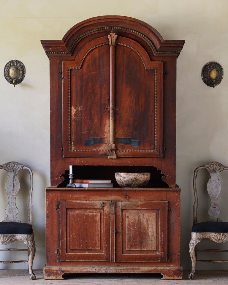 Charming 19th century Swedish provincial Gustavian cabinet in its original colour and dated 1827.