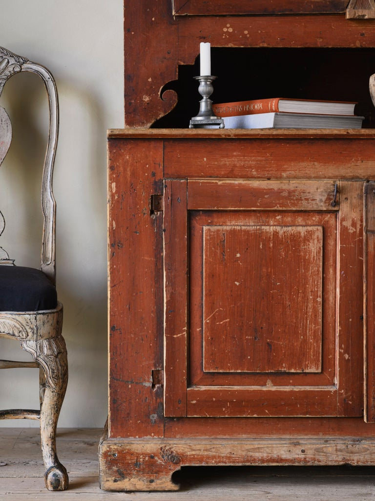 Hand-Crafted 19th Century Provincial Gustavian Cabinet For Sale