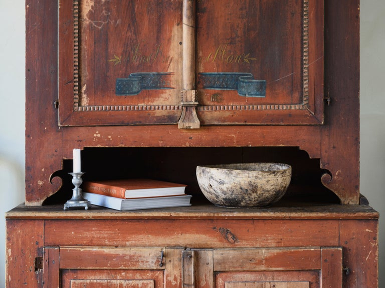 19th Century Provincial Gustavian Cabinet In Good Condition For Sale In Helsingborg, SE