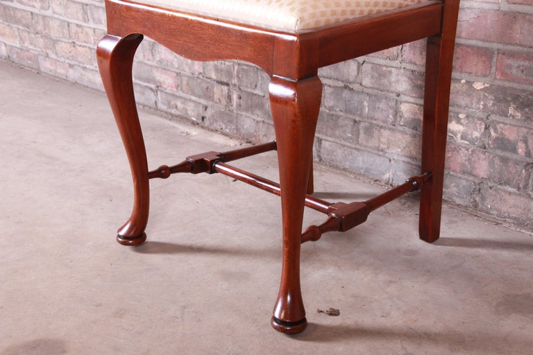 19th Century Queen Anne Mahogany Dining Chairs, Set of Six For Sale 7