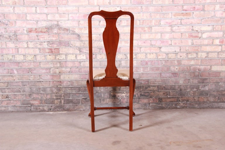 19th Century Queen Anne Mahogany Dining Chairs, Set of Six For Sale 10