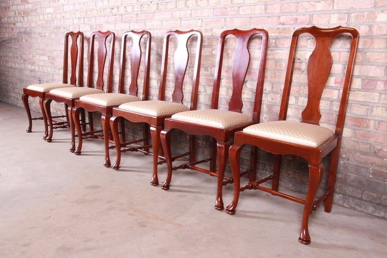 19th Century Queen Anne Mahogany Dining Chairs, Set of Six In Good Condition For Sale In South Bend, IN