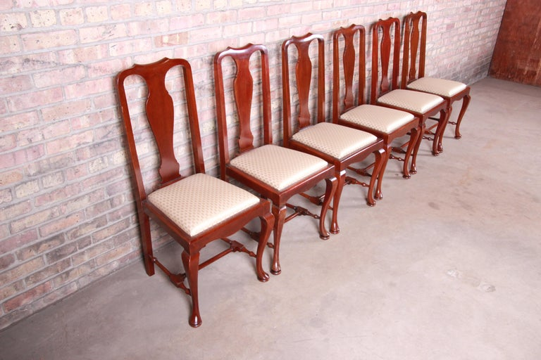 19th Century Queen Anne Mahogany Dining Chairs, Set of Six For Sale 1