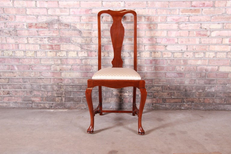 19th Century Queen Anne Mahogany Dining Chairs, Set of Six For Sale 4