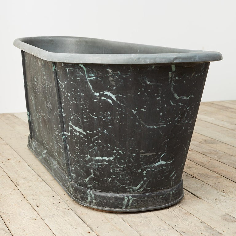 19th Century Reclaimed French Zinc Bath with Marbled Decoration In Fair Condition For Sale In London, GB