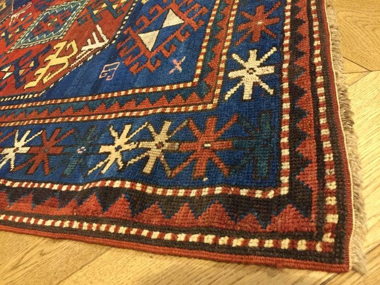 19th Century Red and Blue Wool Medallions Kazak Chajli Caucasian Rug, 1870s For Sale 6