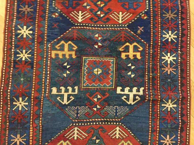 19th Century Red and Blue Wool Medallions Kazak Chajli Caucasian Rug, 1870s In Good Condition For Sale In Firenze, IT
