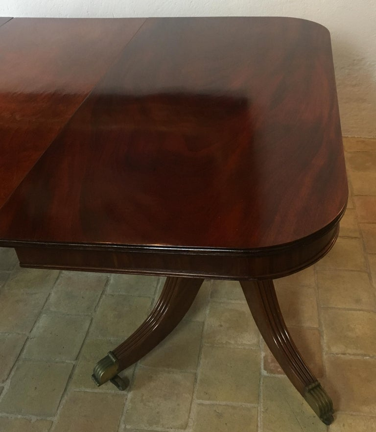Hand-Crafted 19th Century Regency Flame Mahogany Extending Dining Table For Sale