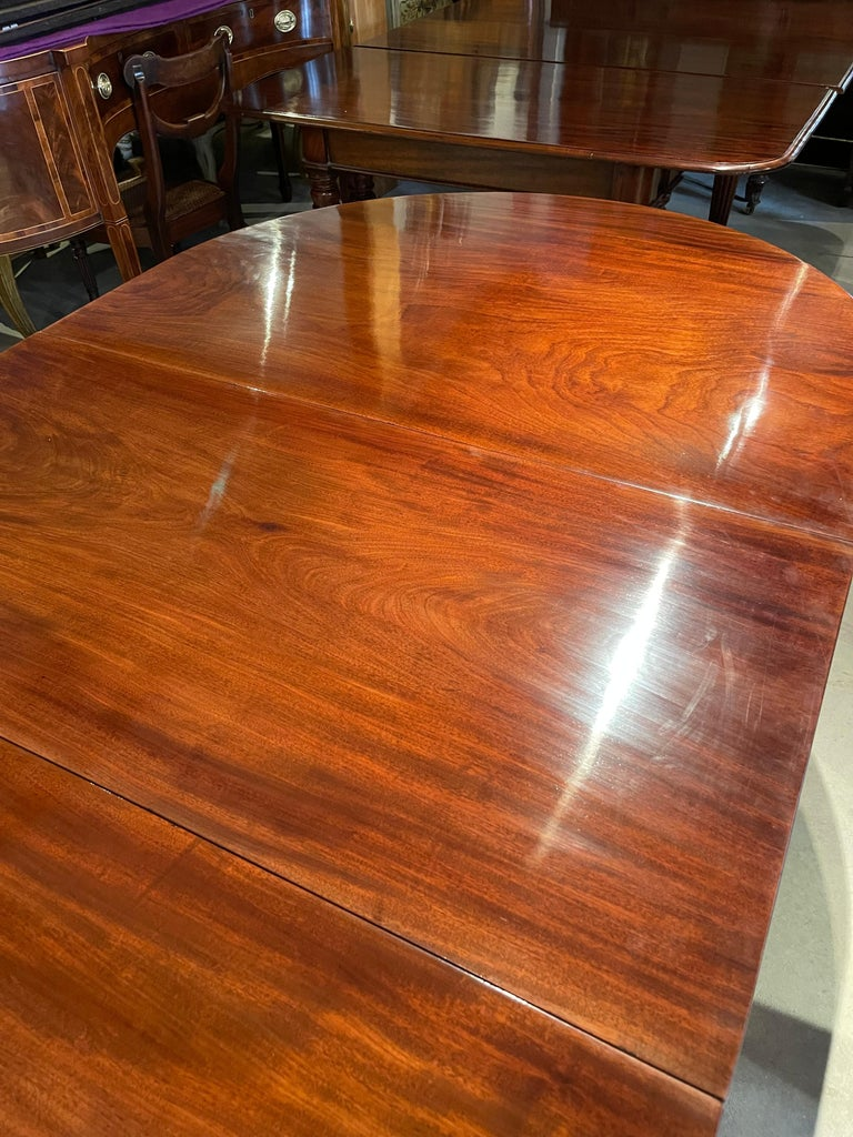 19th Century Regency Mahogany Four Pedestal Dining Table In Good Condition For Sale In Essex, MA