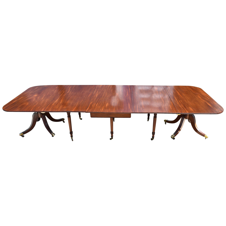 19th Century Regency Mahogany Pedestal Dining Table