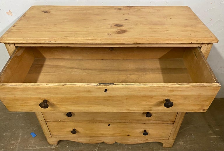19th Century Rengency Style Pine Chest of Drawers In Good Condition For Sale In Great Barrington, MA