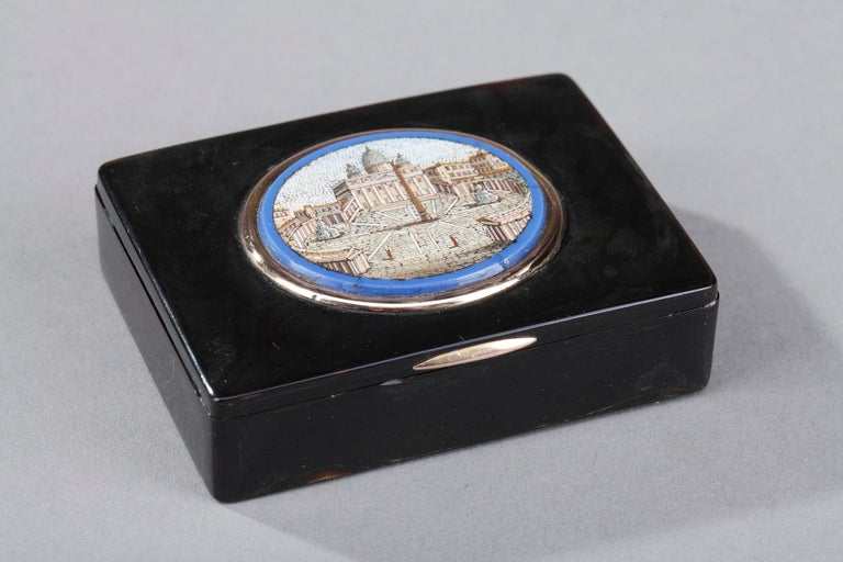 19th Century Restauration Snuff Box with Micromosaic For Sale 1