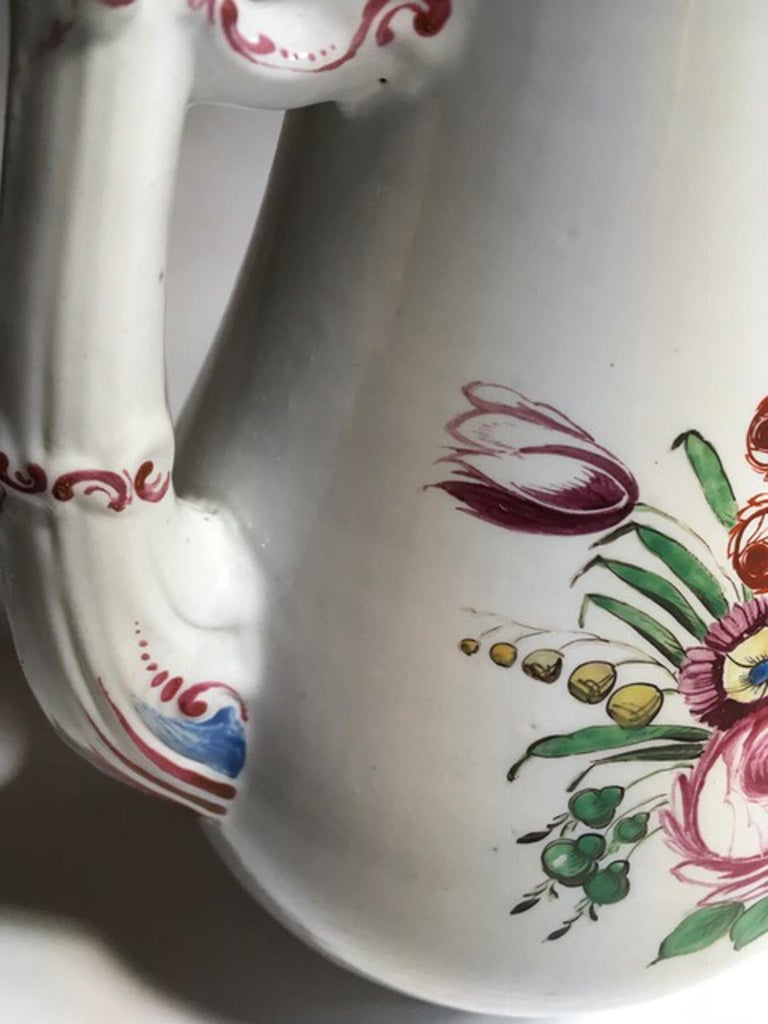 19th Century Richard Ginori Porcelain Coffee Pot with Tulip and Flowers Decor For Sale 8
