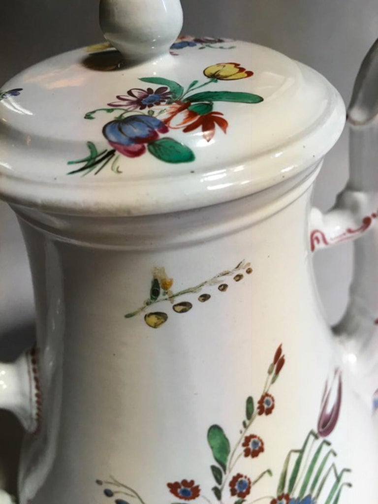 19th Century Richard Ginori Porcelain Coffee Pot with Tulip and Flowers Decor For Sale 10