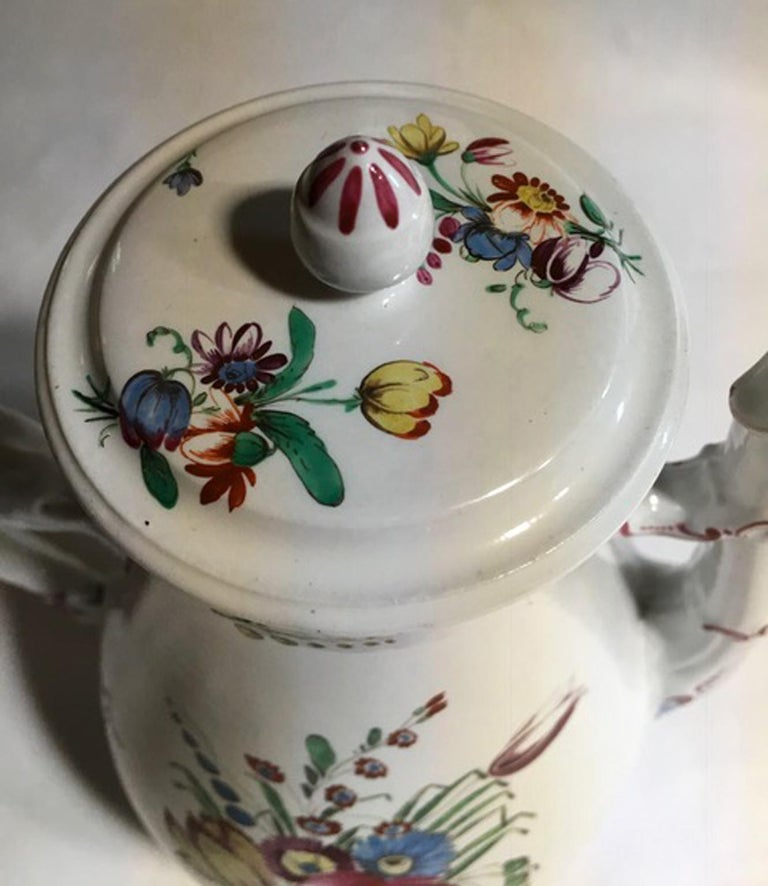 19th Century Richard Ginori Porcelain Coffee Pot with Tulip and Flowers Decor For Sale 3
