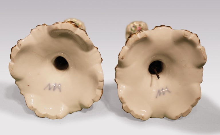 19th Century Rococo Paris Porcelain Candlesticks In Good Condition For Sale In London, GB