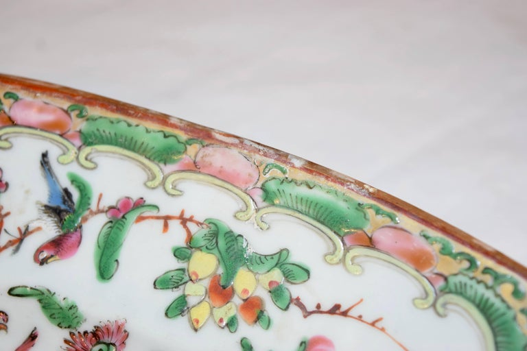 Hand-Painted 19th Century Rose Medallion Platter For Sale