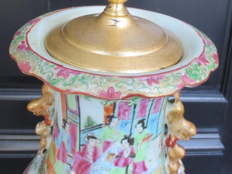 19th Century Rose Medallion Porcelain Lamp, Giltwood Base For Sale 1