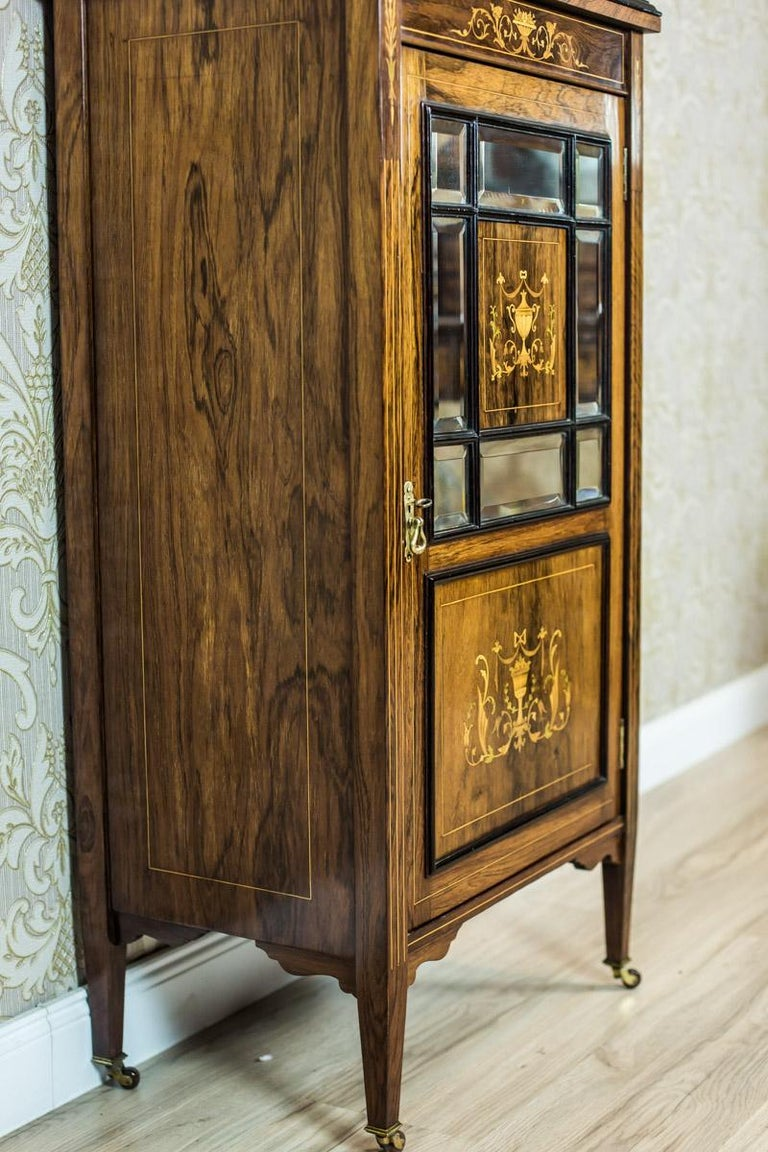 19th Century Rosewood Cabinet with Intarsias For Sale 1
