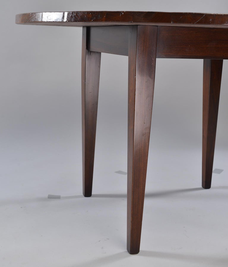 19th Century Round Chestnut Farm Table In Good Condition For Sale In Troy, MI