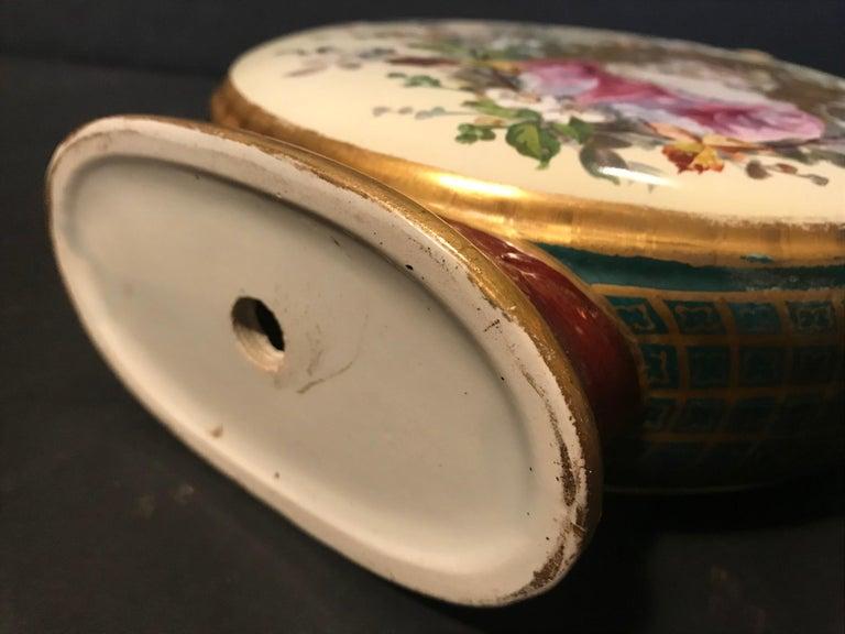 19th Century Royal Vienna Belle Époque Porcelain Moon Flask For Sale 9