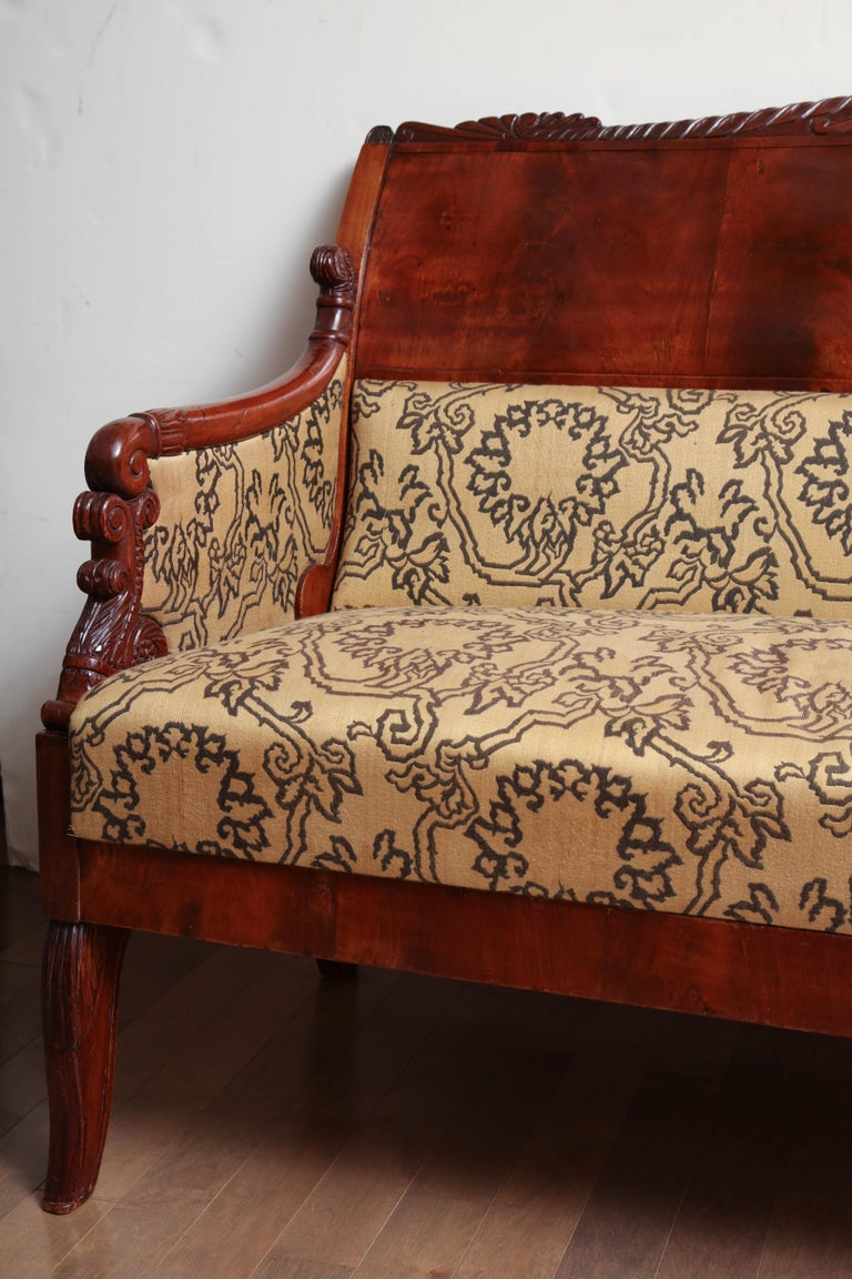 19th Century Russian Neoclassical Sofa In Good Condition For Sale In New York, NY