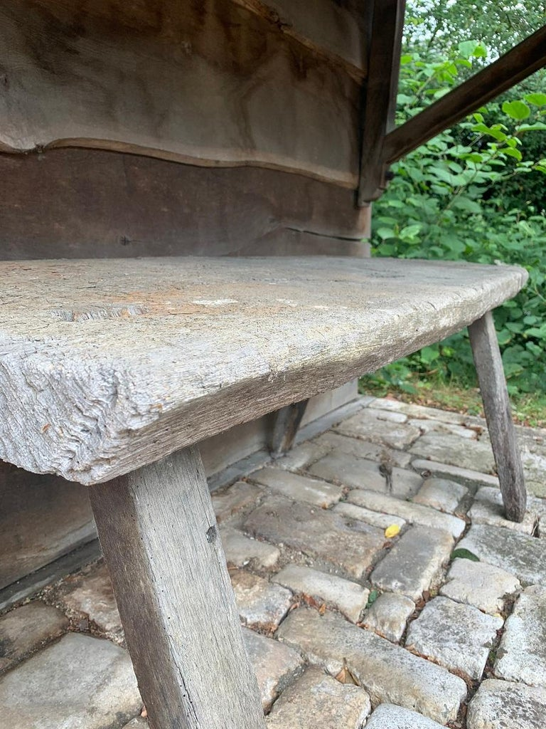 19th Century Rustic French Oak Sidetable In Fair Condition For Sale In Vosselaar, BE