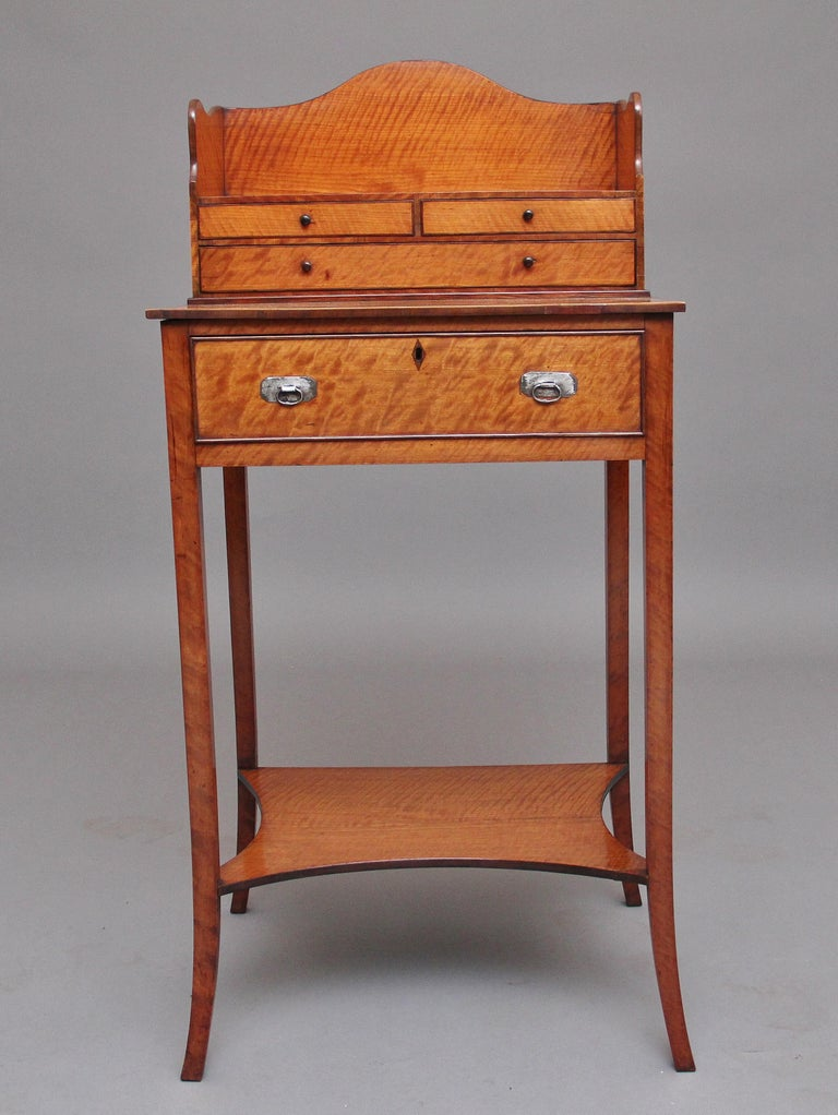 19th Century Satinwood Ladies Writing Table in the Sheraton Style For Sale 1