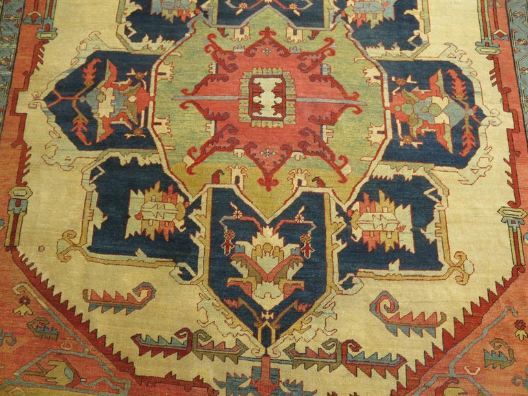 19th Century Serapi Rug In Good Condition For Sale In New York, NY