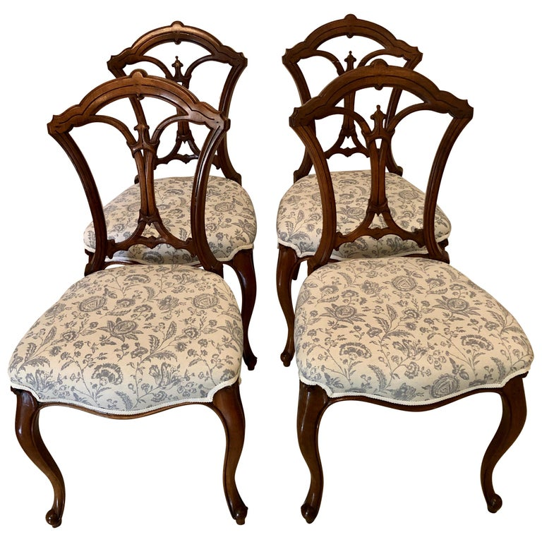 19th Century Set of 4 Antique Victorian Walnut Dining Chairs For Sale
