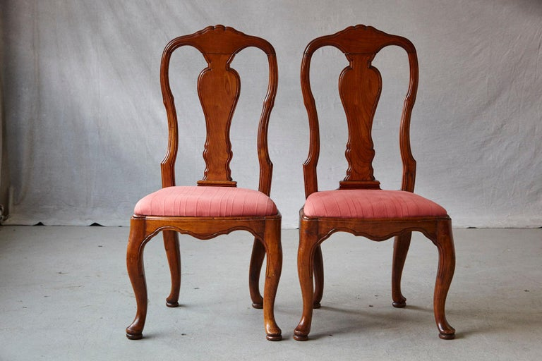 19th Century Set of Six Louis XIV French Country Style Carved Walnut Chairs For Sale 1