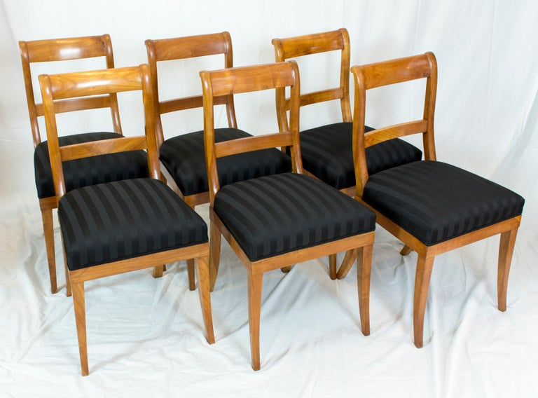 19th Century, Set of Six Solid Cherry Biedermeier Chairs In Good Condition For Sale In Darmstadt, DE