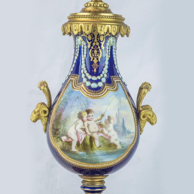 19th Century Sèvres Style Ormolu and Cobalt-Blue Painted Porcelain Clockset For Sale 2