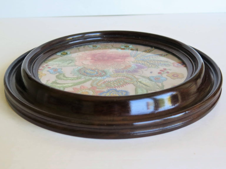 19th Century Silk Embroidered Needlepoint Panel in Original Mahogany Round Frame For Sale 4