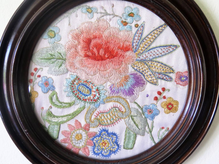 19th Century Silk Embroidered Needlepoint Panel in Original Mahogany Round Frame For Sale 5