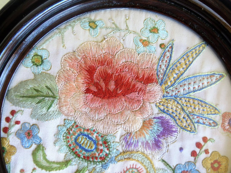 19th Century Silk Embroidered Needlepoint Panel in Original Mahogany Round Frame For Sale 10
