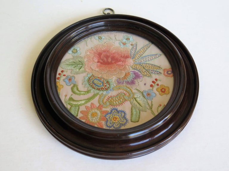 19th Century Silk Embroidered Needlepoint Panel in Original Mahogany Round Frame For Sale 2