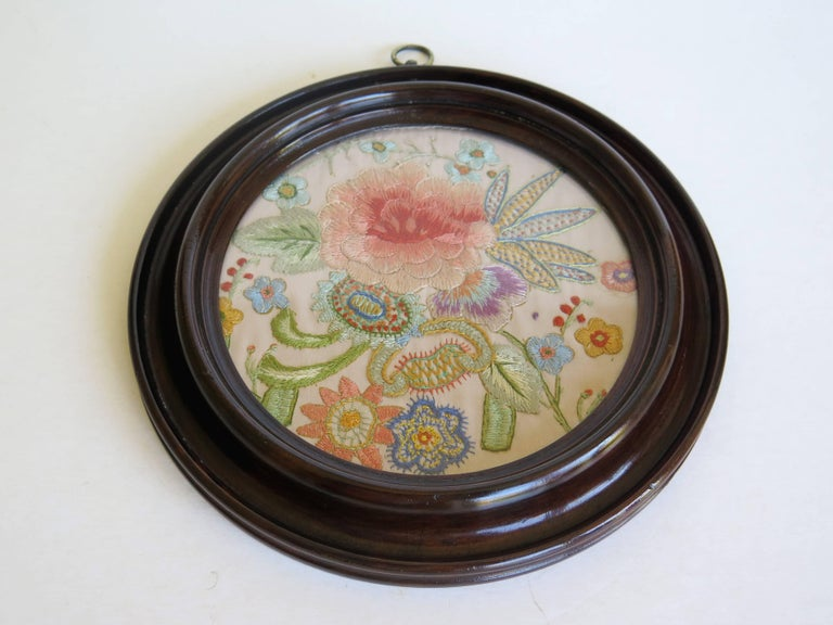 19th Century Silk Embroidered Needlepoint Panel in Original Mahogany Round Frame For Sale 3
