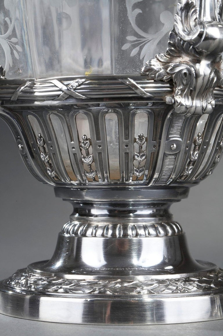19th Century Silver Pair of Ewer and Crystal Engraved For Sale 13