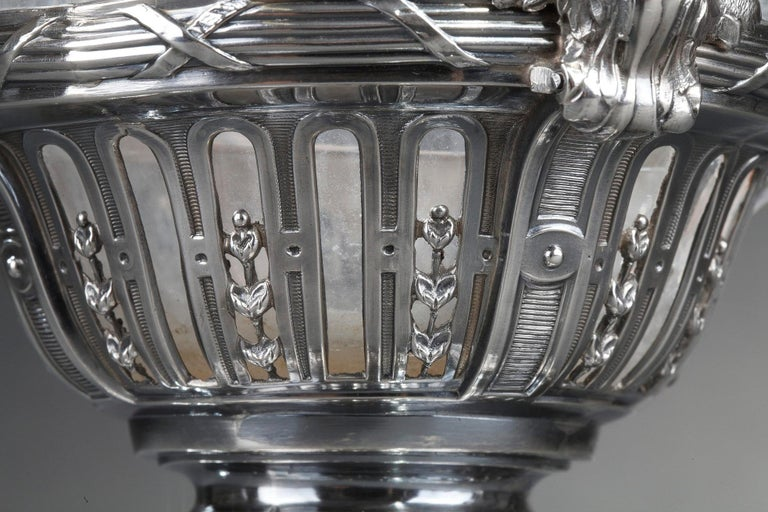 19th Century Silver Pair of Ewer and Crystal Engraved For Sale 14